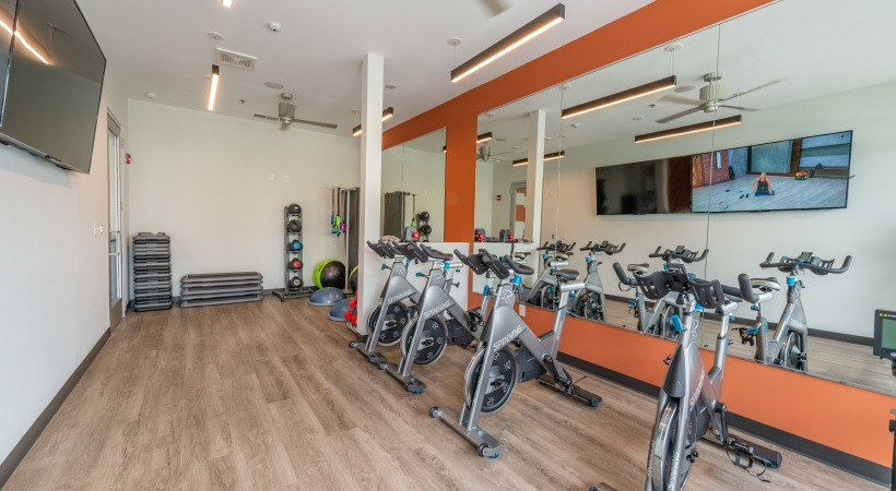 Yoga & Cycling Studio